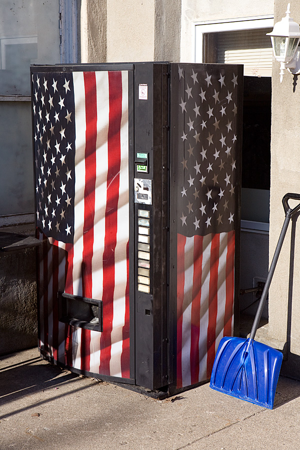 Patriotic pop machine, Attica IN